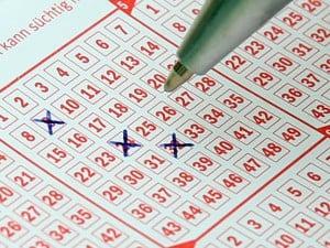 Wie werde ich Million�r? Mit Lotto? Vielleicht...