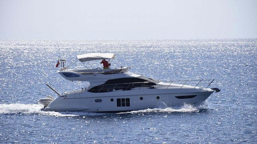 Yacht als Zeichen von Reichtum